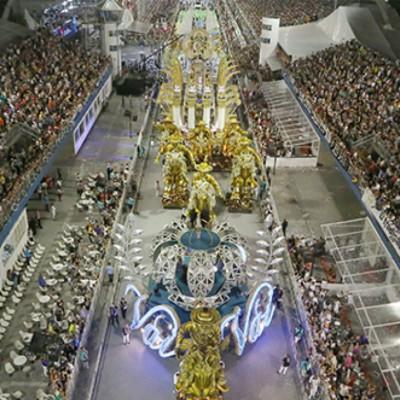DESFILE DE CARNAVAL - SÃO PAULO